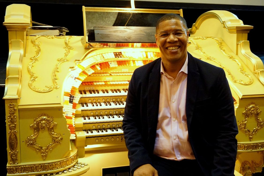 Tedde Gibson In concert Sunday August 25th at Allen Organs of Chicago.